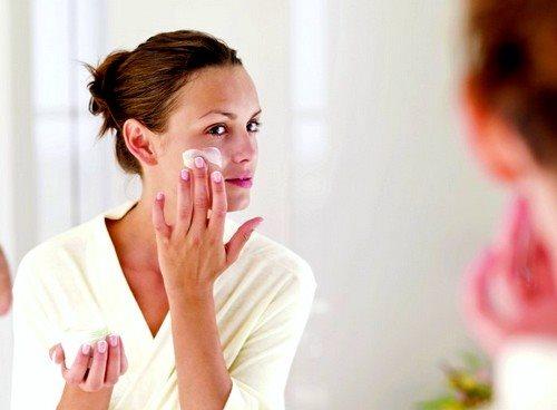Ретиноевая мазь от морщин: отзывы косметологов