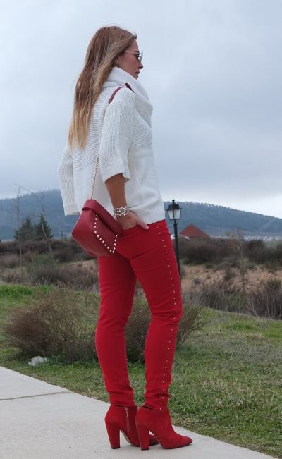 Фотографии того, с чем нельзя носить красную сумку