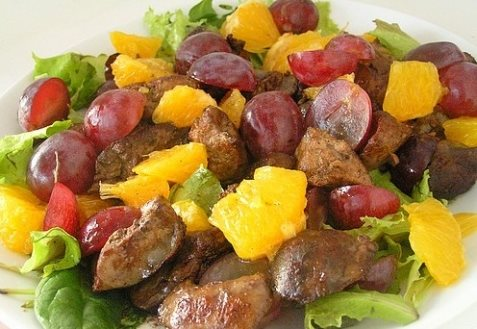 Салат с печенью курицы