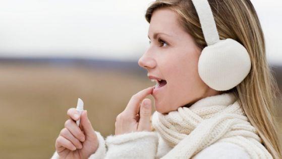 Как быстро вылечить губы от сухости и трещин. Рецепты масок и бальзама для губ