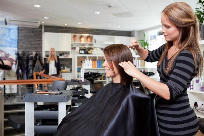 Когда можно подстригать волосы по Лунному календарю. Оракул стрижек, дни недели