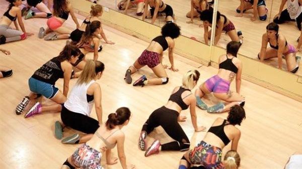Тверк. Уроки танца для начинающих, видео. Как научиться танцевать в домашних условиях