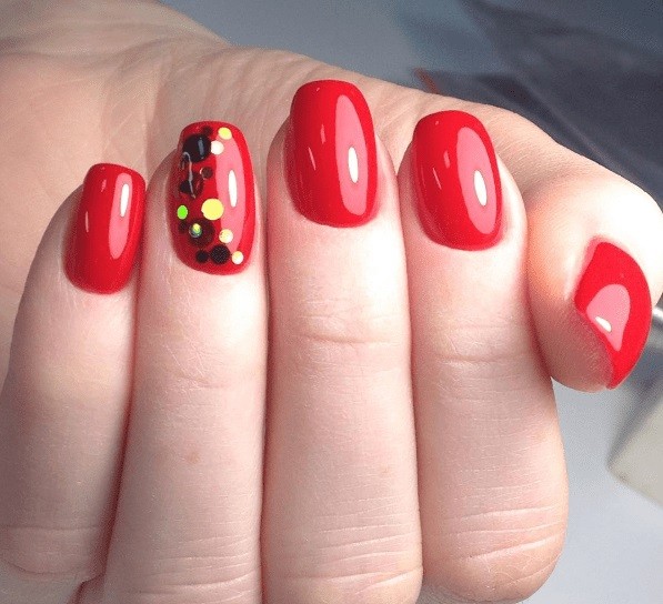 Красный маникюр. Дизайн ногтей в красном цвете гель лаком. Идеи, фото, рисунки