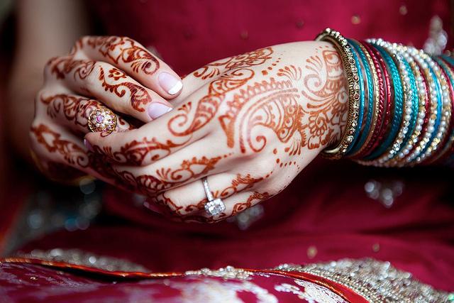 Тату хной (мехенди) на руке – легкие, маленькие рисунки. Сколько держится тату. Цена. Фото