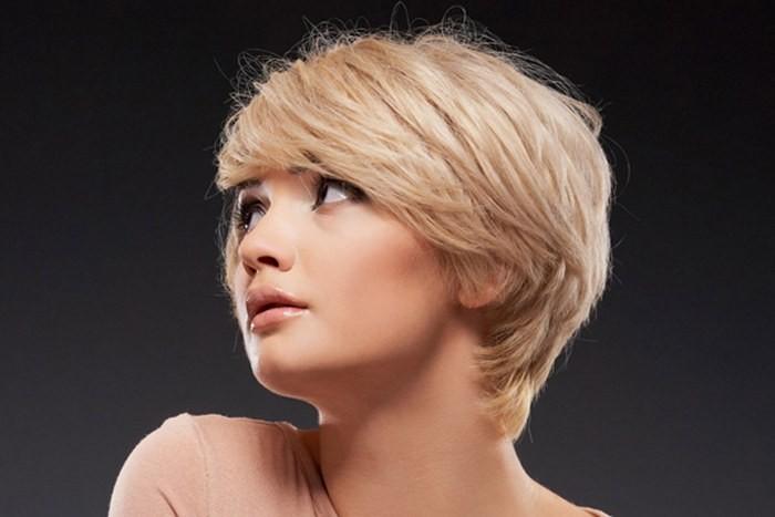 Стрижки на средние волосы. Модные красивые прически, челка, повседневные, вечерние, простые