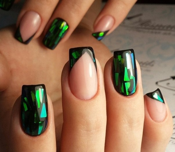 Дизайн ногтей френч – новинки и фото. Идеи рисунков, с блестящим гель лаком, стразами, блестками, слайдеры, полоски