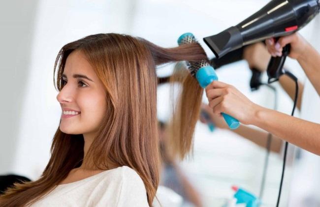 Окрашивание и стрижка волос по лунному календарю 2019. Благоприятные и неблагоприятные дни года