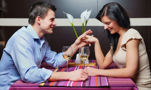Признаки симпатии со стороны мужчины к женщине: невербальные жесты, язык тела, взгляд, вербальные знаки