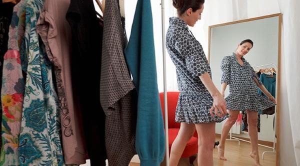 plate-s-korsetom-i-pyshnoy-yubkoy-10 Короткое платье с пышной юбкой (53 фото): свадебное, на выпускной, белое, черное или розовое
