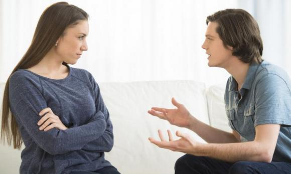 О чем поговорить с парнем, который нравится, по телефону, на прогулке, первом свидании, в ВК, примеры переписки, диалога