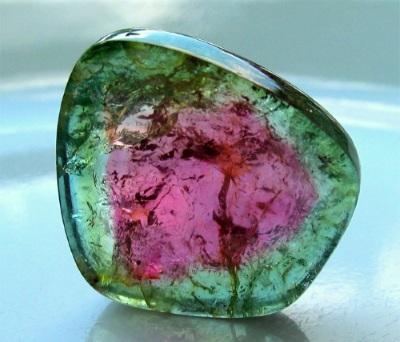 Турмалин камень. Свойства и значение, кому подходит черный, синий, арбузный, розовый, зеленый, бурый. Фото и магические, лечебные эффекты