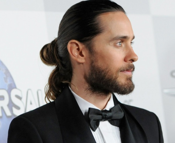 Мужские прически с длинными волосами. Фото модных с выбритыми висками, боками, челкой, крутые и стильные