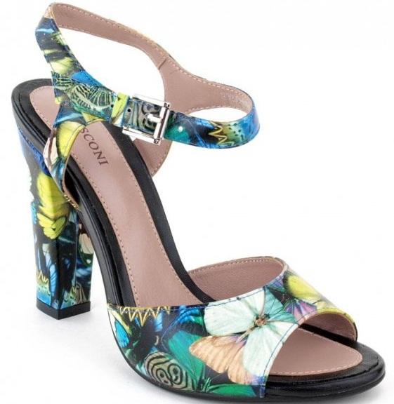 Босоножки на каблуке: фото с закрытой пяткой, носом. Варианты цветов и с чем носить