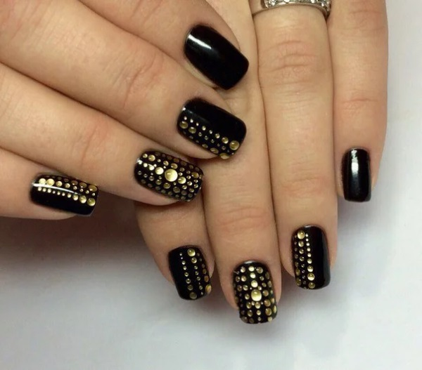 Маникюр черный с золотом. Фото, дизайн на короткие, длинные ногти, типа Диор, матовый, френч, со стразами