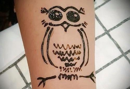 Рисунки хной для начинающих на ноге, руке, запястье. Простые эскизы, трафареты. Инструкции пошагово с фото