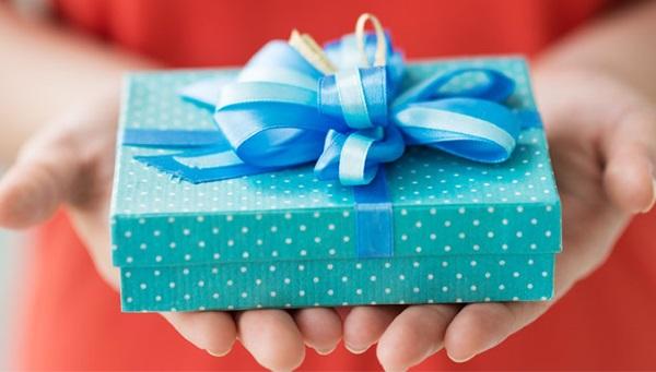 Что подарить подруге на День рождения. Что купить или сделать своими руками