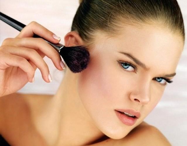 Нанесение макияжа поэтапно. Фото инструкции, видео-уроки для начинающих