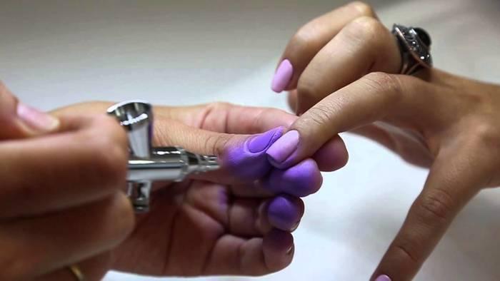 Серый маникюр на коротких ногтях. Фото, дизайн с рисунком, новинки 2020
