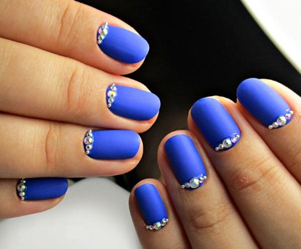 Маникюр в голубых тонах. Фото гель-лак, градиент, шеллак на короткие, длинные ногти. Дизайн, техники