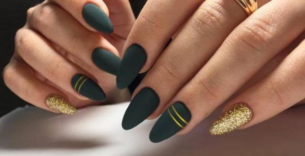 Дизайны ногтей зеленого цвета. Фото с рисунком, стразами, золотом, втиркой. Новинки 2020
