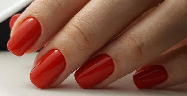 Красный маникюр на длинные ногти. Фото 2019 со стразами, полосками, орнаментом, френч