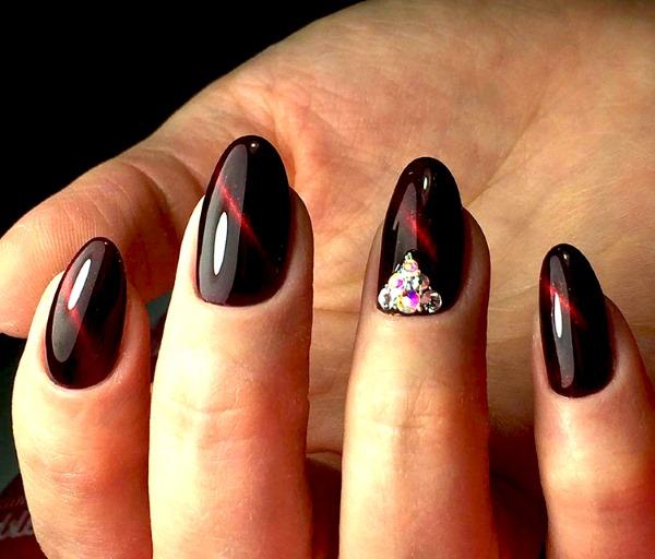 Маникюр красный с черным. Фото, новинки дизайнов 2019, на короткие и длинные ногти