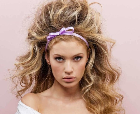 Красивые прически с кудрями на средние волосы, плетением, челкой для девочек. Фото, как сделать самостоятельно