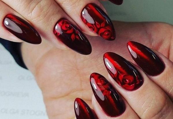 Дизайн ногтей красного цвета. Фото новинок 2020 со стразами, рисунком, гель-лаком