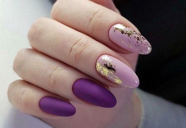 Дизайн ногтей в фиолетовых тонах. Фото со стразами, цветочками, блесточками, камнями, бульонками, втирка