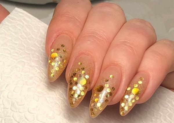 Маникюр на длинные острые ногти гель-лаком. Фото, дизайны, техники