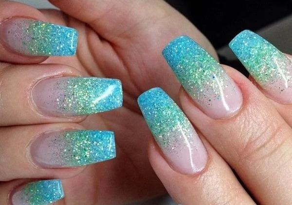 Маникюр с блестками на кончиках ногтей. Фото, как сделать шеллаком, дизайны
