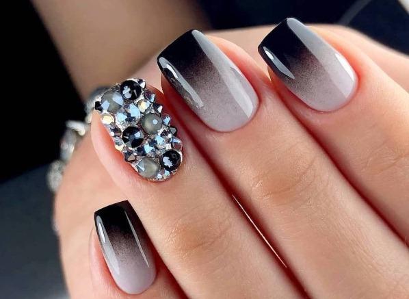 Маникюр с черным лаком на короткие ногти. Фото, дизайны, как сделать пошагово в домашних условиях