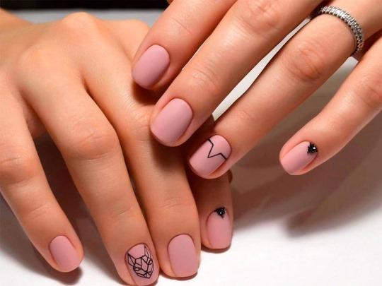 Элегантный маникюр на коротких ногтях шеллак. Фото, дизайн, новинки 2019