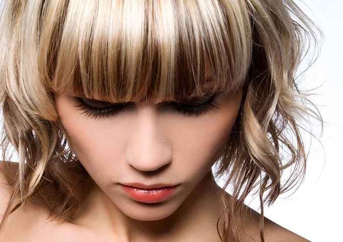 Короткие стрижки на волнистые волосы без укладки. Фото, новинки 2020