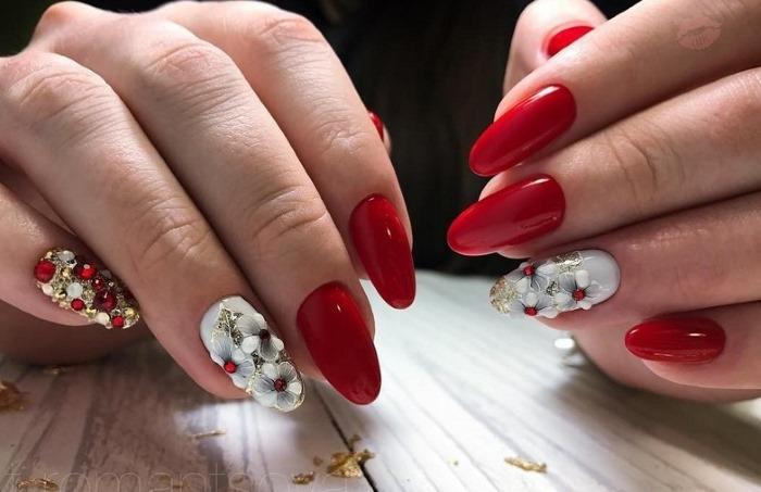 Маникюр в красном цвете на острые ногти. Фото, дизайн, оттенки, модные тенденции 2019