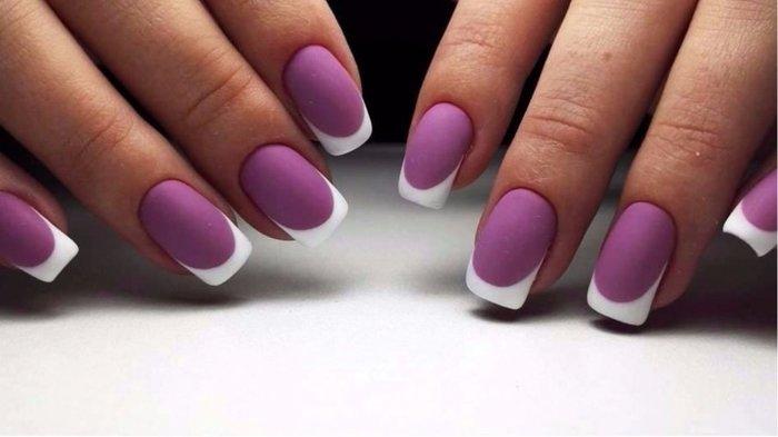Маникюр фиолетовый с белым. Фото с рисунками, со стразами, дизайны на короткие и длинные ногти