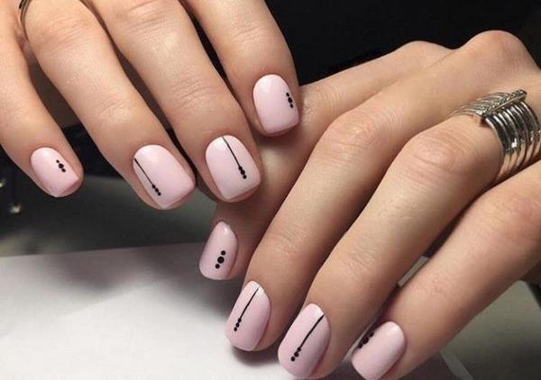 Маникюр нюд на короткие ногти гель-лаком. Фото, модные дизайны 2019