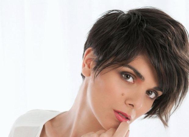 Стрижка Гаврош на средние волосы. Фото с челкой и без, вид спереди и сзади