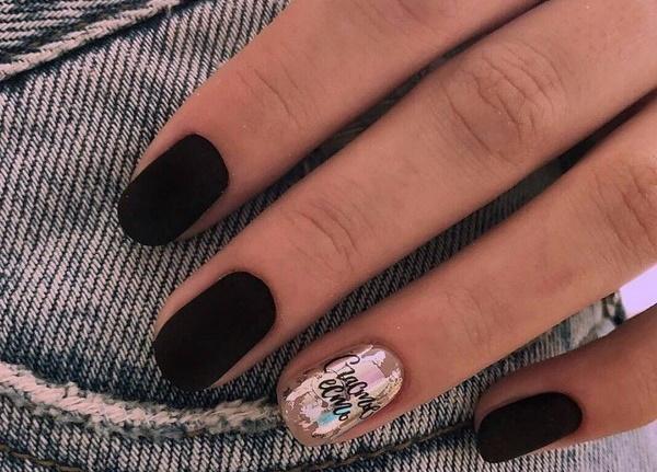 Маникюр гель-лаком темные цвета на короткие ногти. Фото, дизайны, новинки