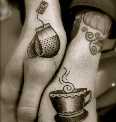 Парные татуировки для двоих влюбленных. Эскизы, фото надписи с переводом для мужа и жены, парня и девушки