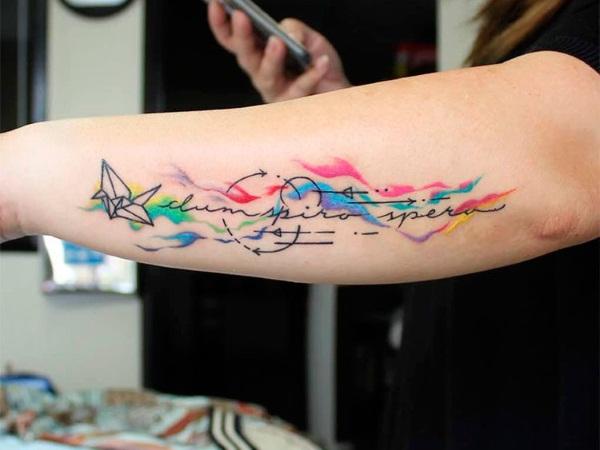 Татуировки на предплечье для девушек. Эскизы, фото, надписи со смыслом с переводом