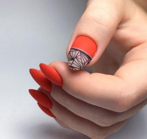 Дизайн ногтей в маникюре с красным лаком. Фото, модные тенденции 2019