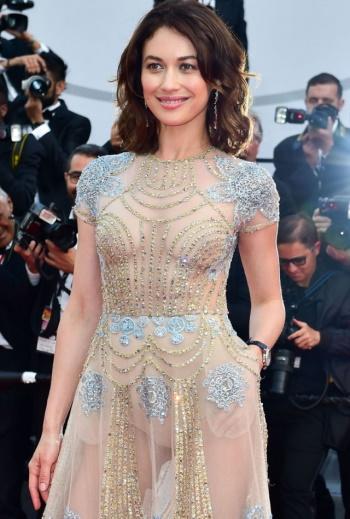 Женщины-Звезды в прозрачном платье. Фото самых откровенных нарядов