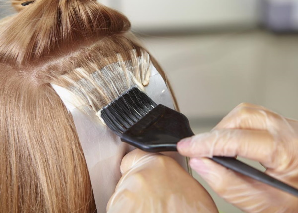 Жемчужно-розовый цвет волос. Фото на светлые, русые, корокие, темные волосы, каре