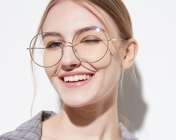 Круглые очки для зрения для девушек, солнцезащитные. Как называются, кому подходят