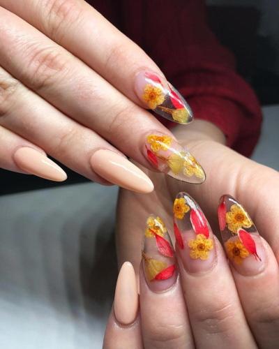 Аквариумный дизайн на ногтях. Фото, техника для начинающих с блестками, сухоцветами, водой внутри