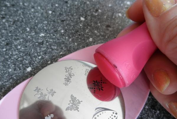 Маникюр с огнем на ногтях, клеткой, шахматами, розовый, черный, белый. Фото, как сделать