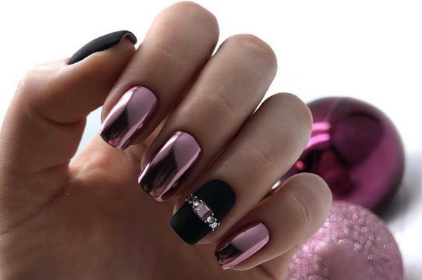 Маникюр черный с розовым. Фото дизайн